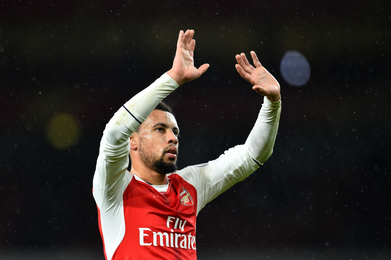 Arsenal extend Mertesacker's contract as defender nears return
