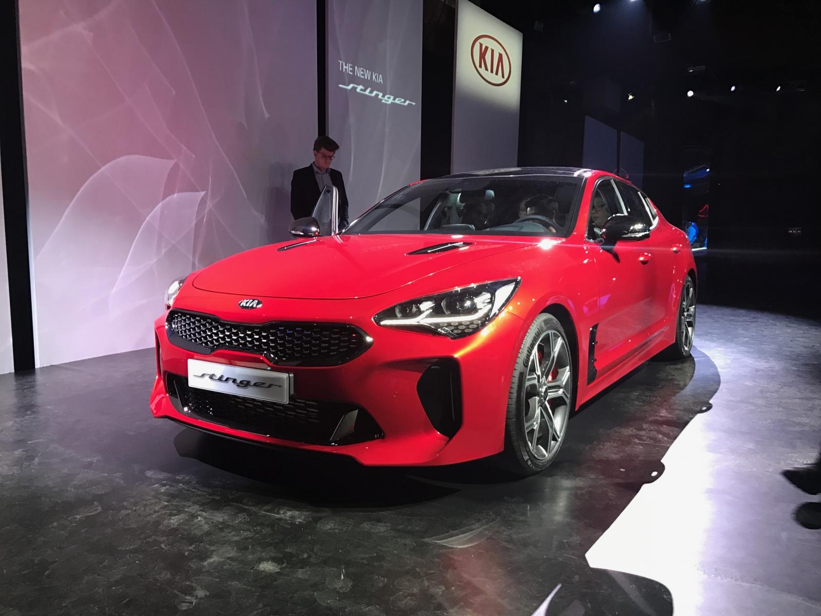 s sports quattroporte new kia car reviews review stinger