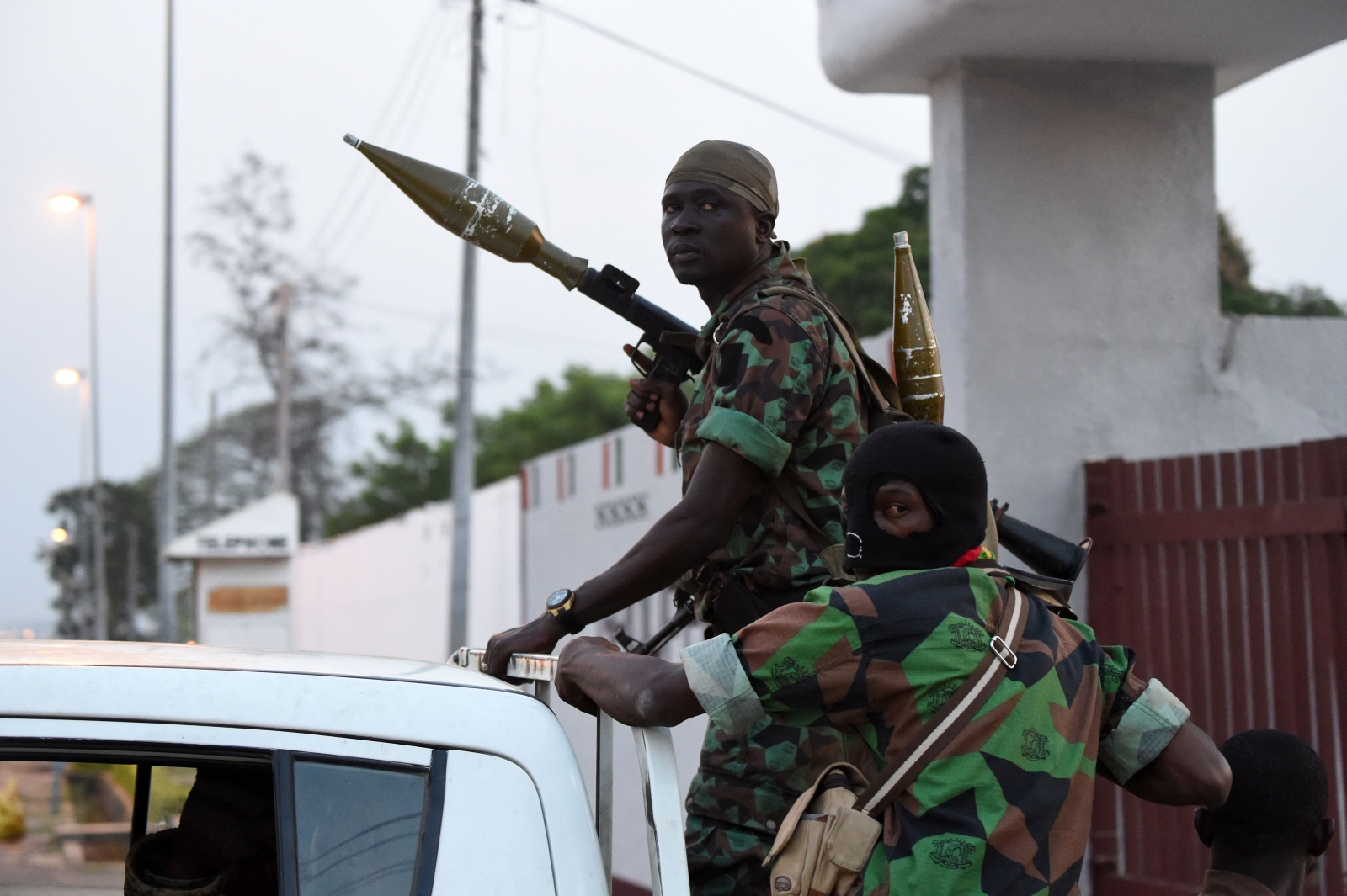 Soldiers mutiny in Ivory Coast