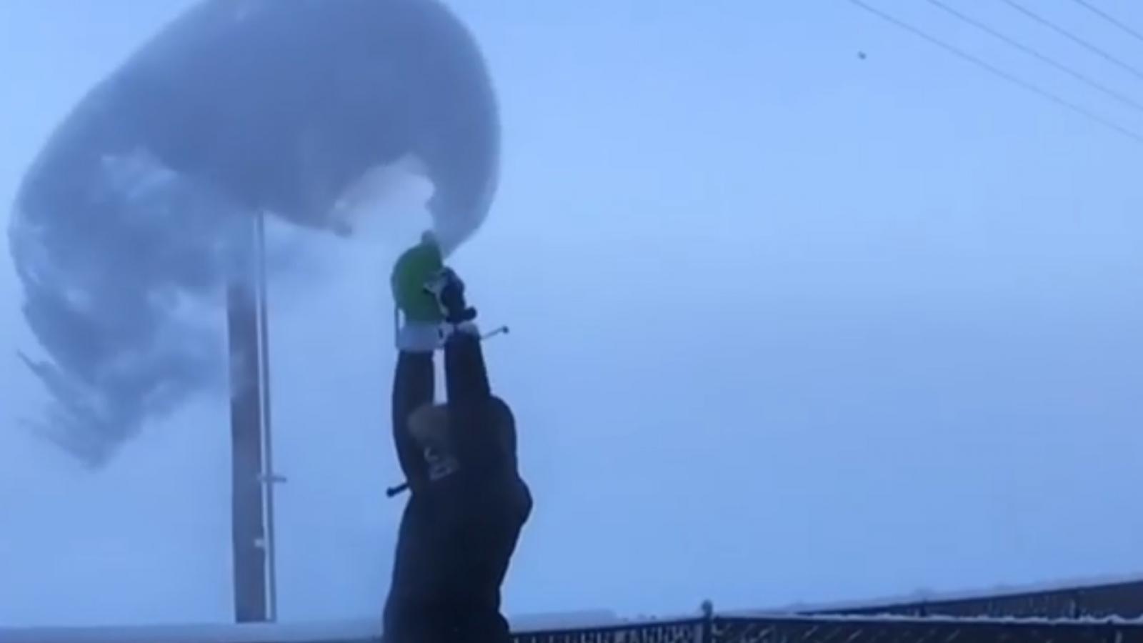 Sub-zero Alaskan temperatures instantly freeze water