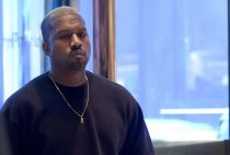 Kanye West to resume tour in 2017