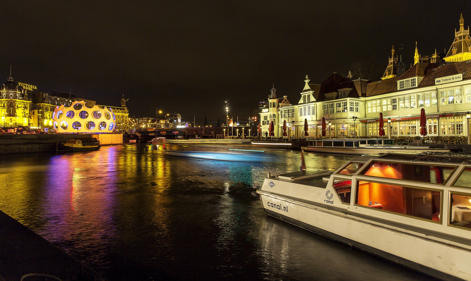 Amsterdam in talks with London-based financial firms about their imminent relocation to the Dutch capital