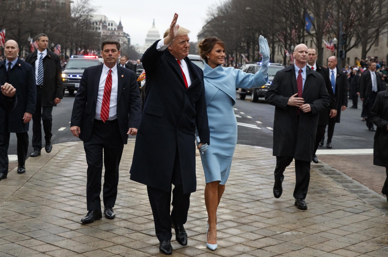 Trump bodyguard hands