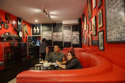 Indonesia Nazi restaurant SoldatenKaffee Bandung