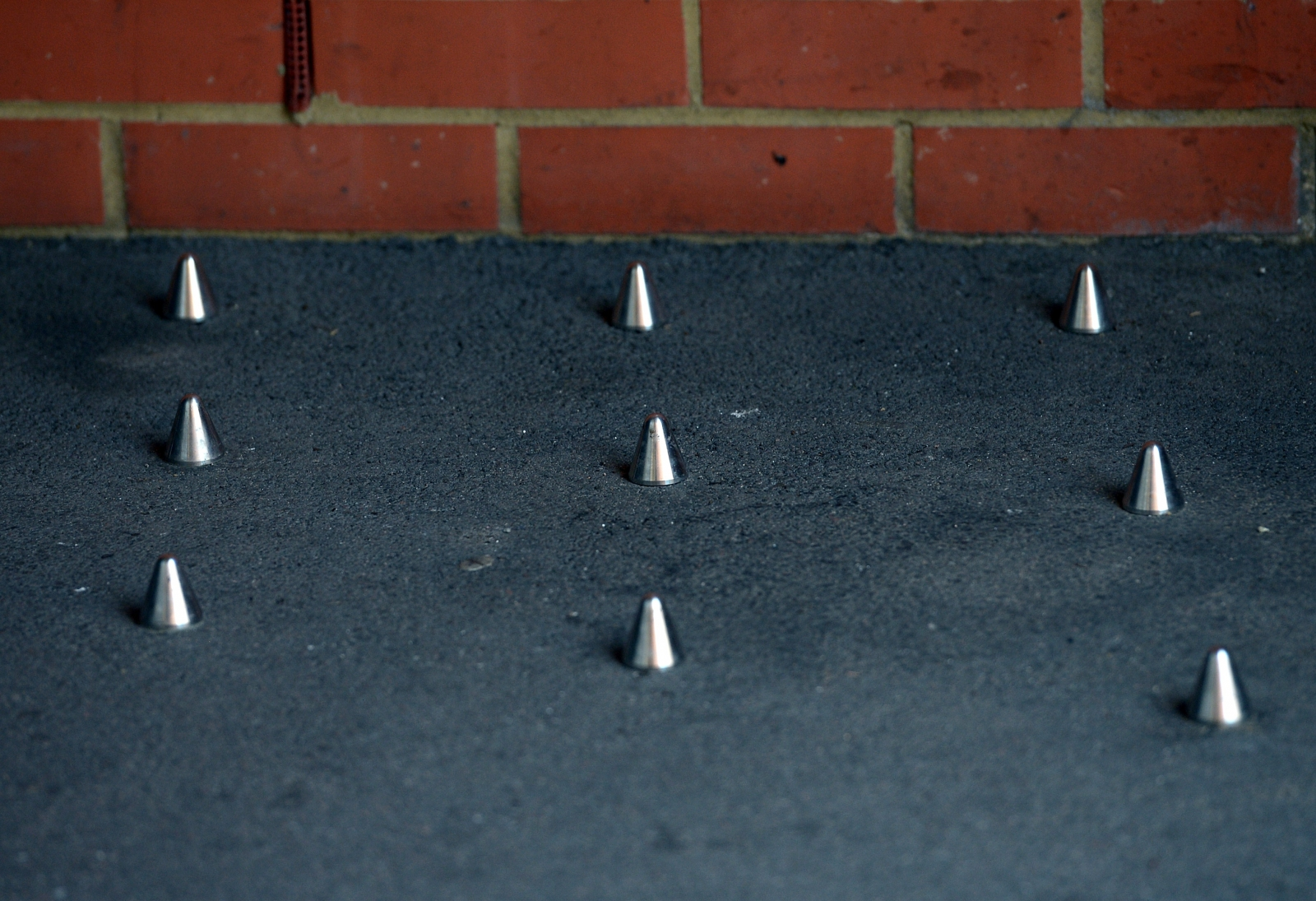 homeless spikes