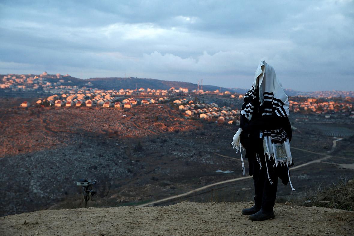 Amona Israel west bank illegal settlement