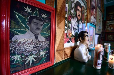 Jesus Malverde drug lords saint Mexico