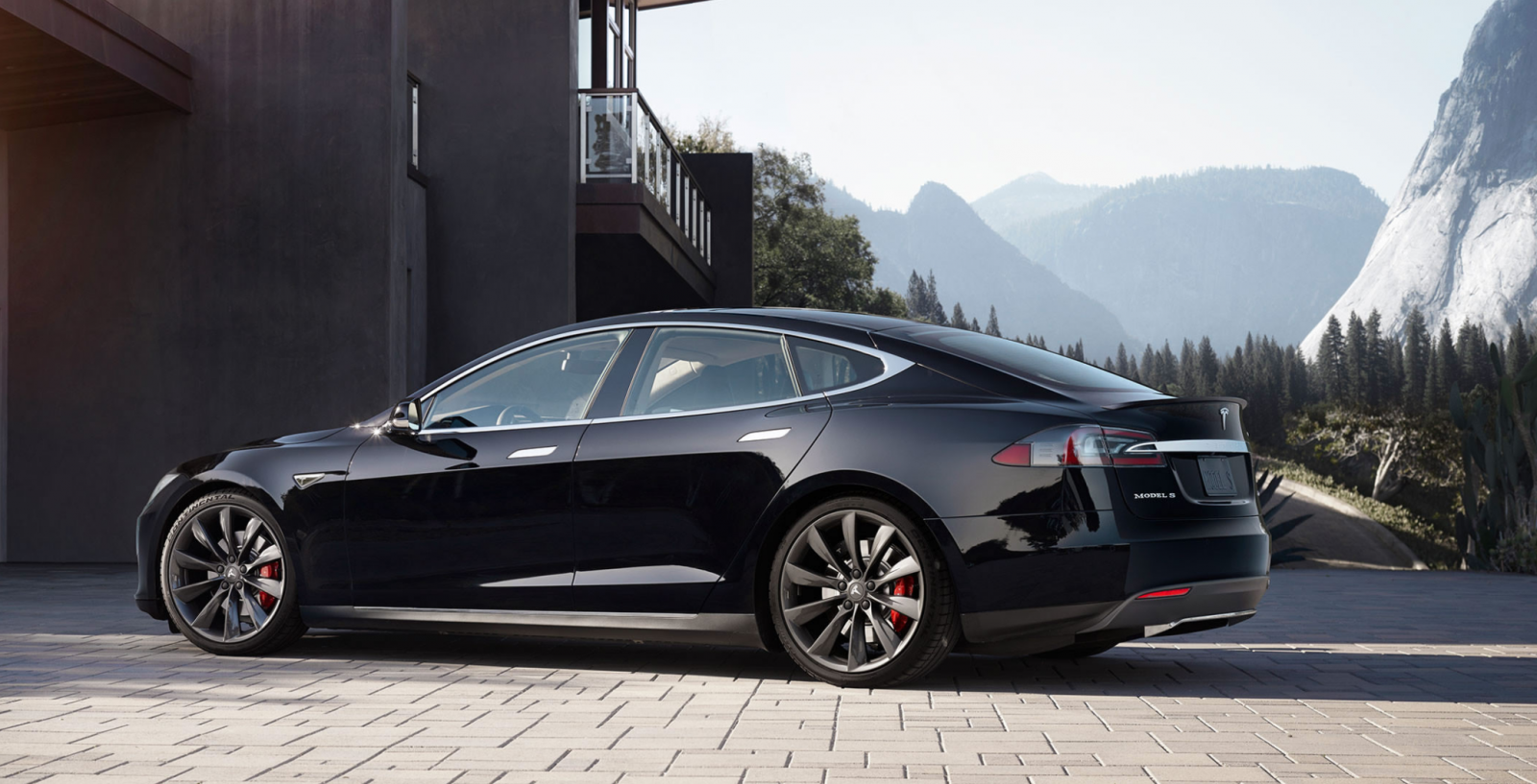 Tesla Model S record range
