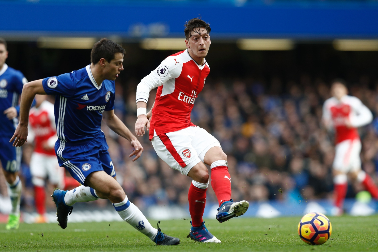 Ballack says Ozil must leave Arsenal to win major title
