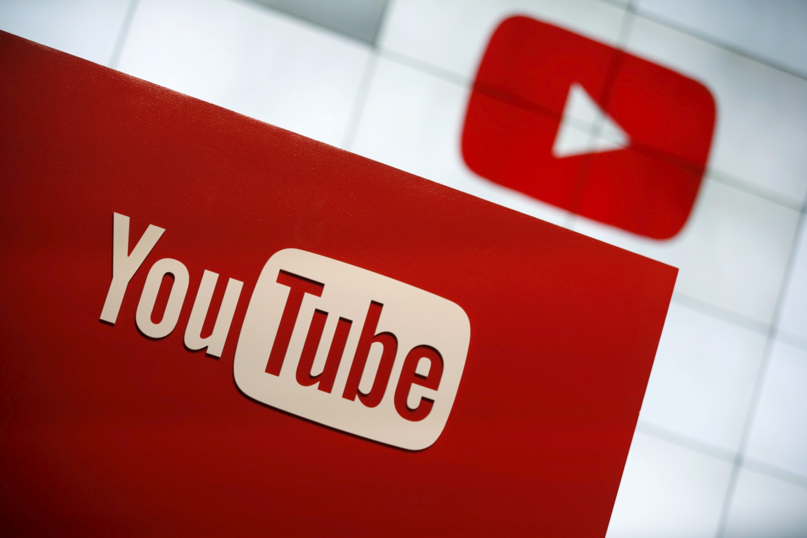 YouTube glitch causes subscribers to decrease