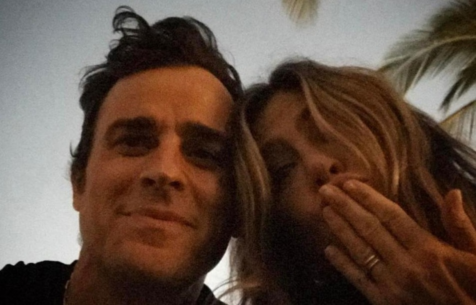 Justin Theroux and Jennifer Aniston first selife