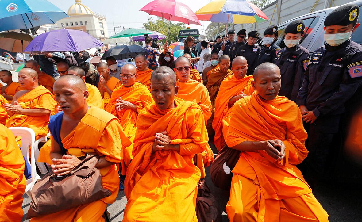 Dhammakaya temple Thailand