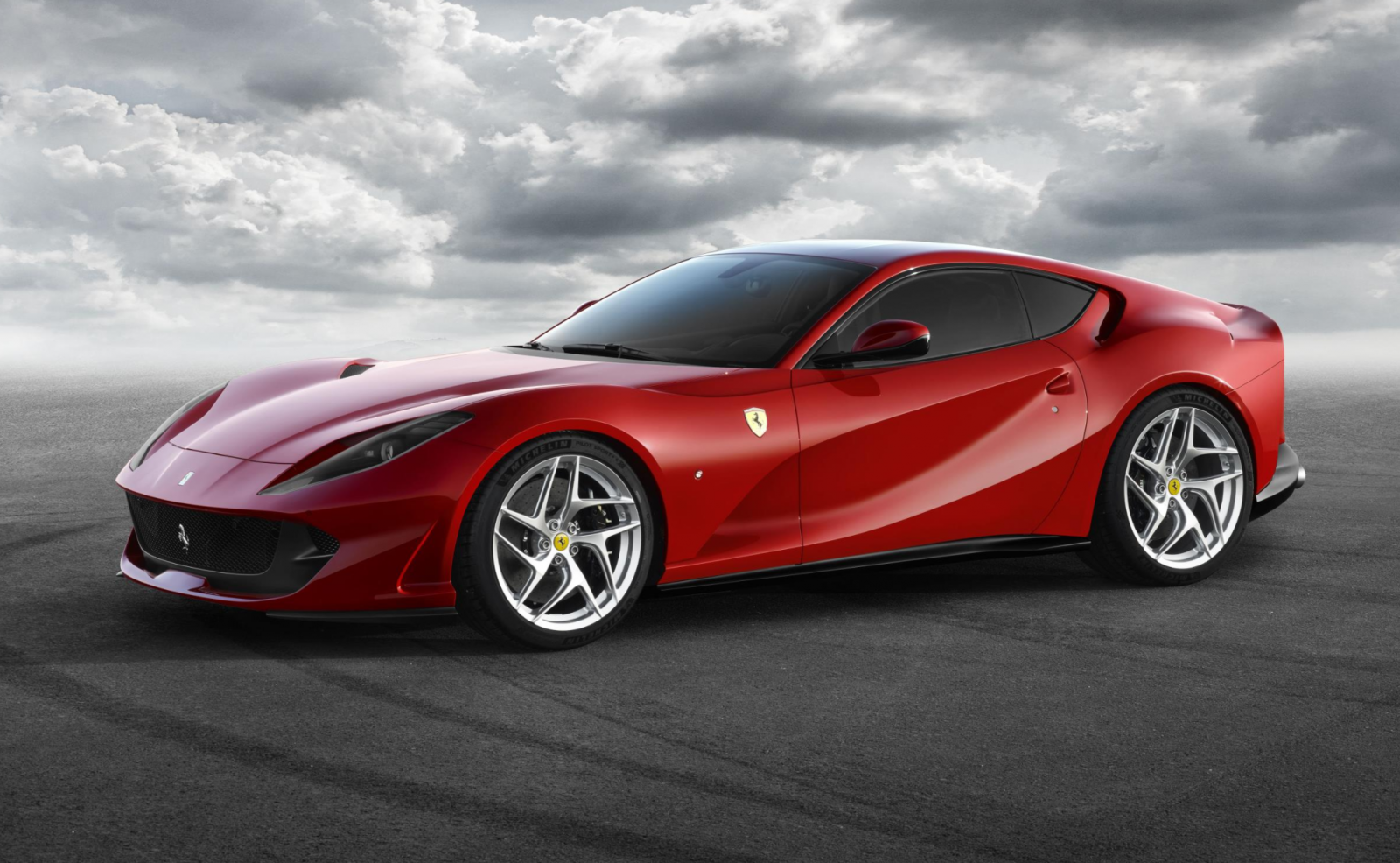 Ferrari 812 Superfast breaks cover ahead of Geneva world debut