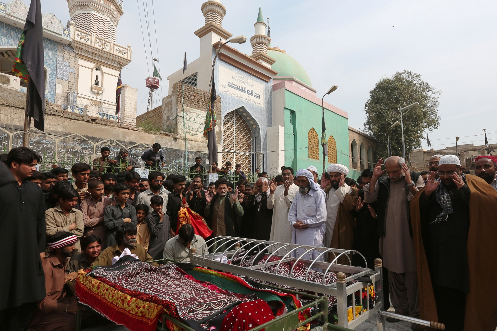 Pakistan shrine attack