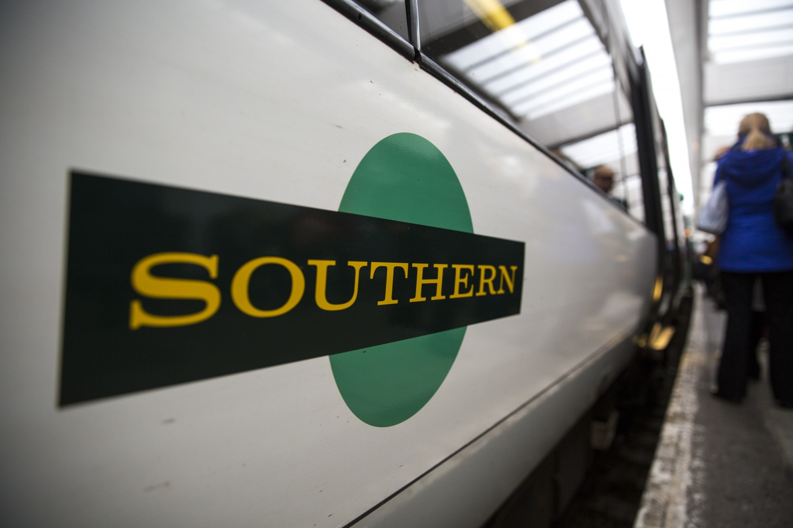 Southern train drivers' call three strike days in pay dispute