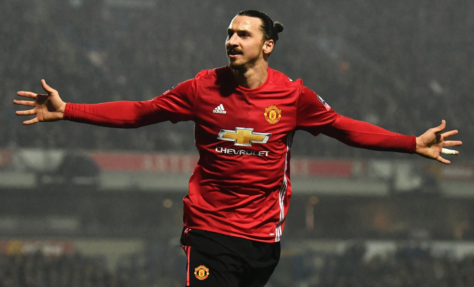 Manchester United Striker Zlatan Ibrahimovic Coy On Napoli