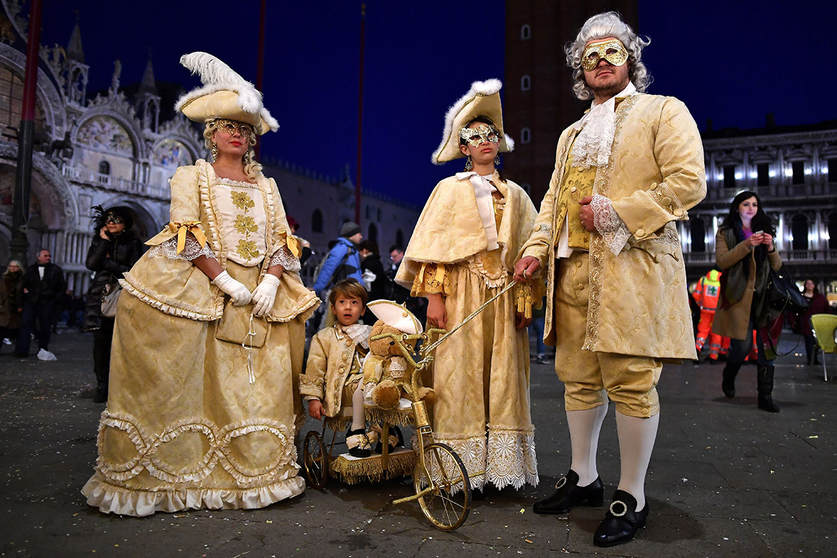 Venice carnival 2017 best costumes