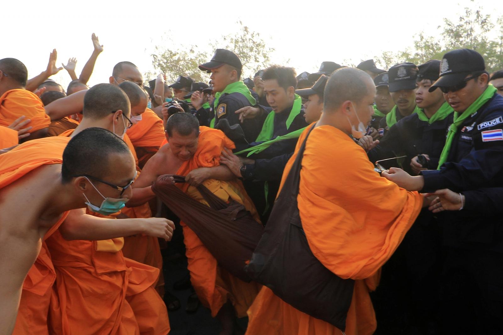 Dhammakaya temple raid