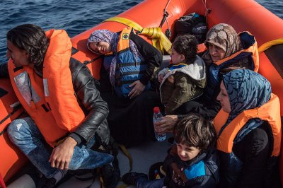 Mediterranean migrants refugees rescue