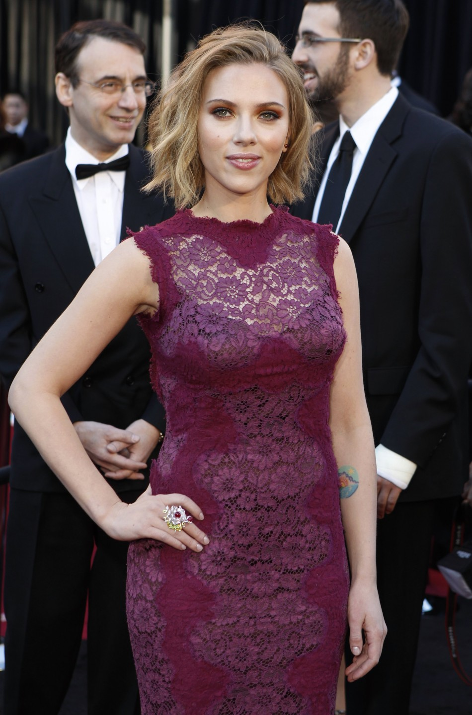 Mila Kunis and Scarlett Johansson Phone Hacked
