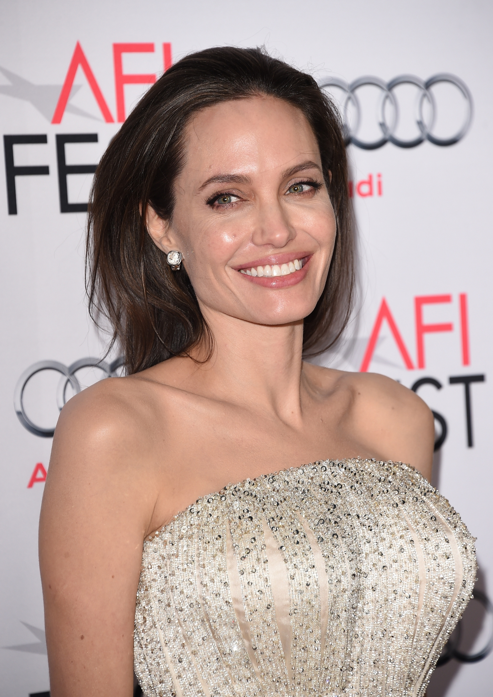 Angelina Jolie 'frustrated and hurt' as Brad Pitt ... Angelina Jolie