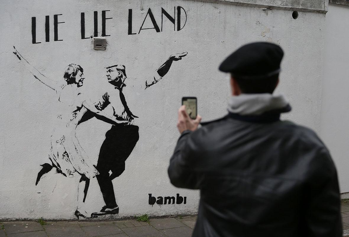 Trump graffiti