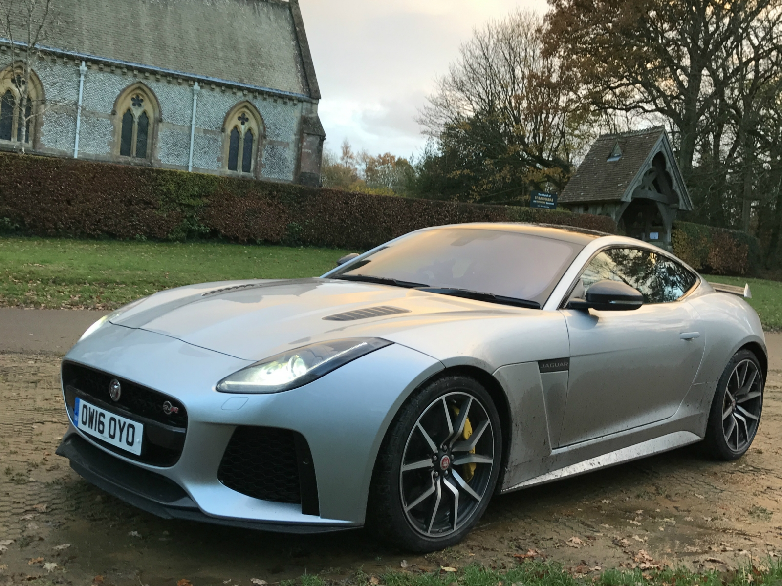 jaguar f type svr coupe review a supercar for all seasons. Black Bedroom Furniture Sets. Home Design Ideas