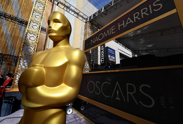 Oscars 2017: Celebrities get busy for red carpet groove