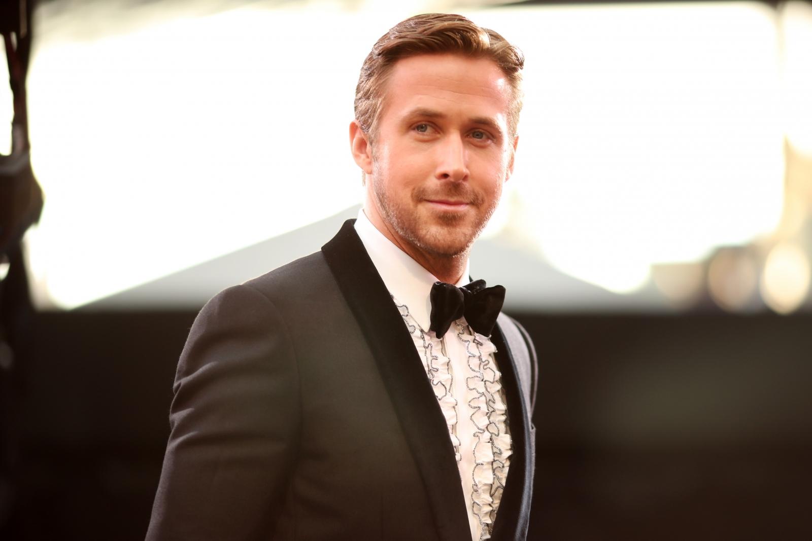 Oscars 2017: Where is Eva Mendes? Ryan Gosling arrives at ...  Ryan Gosling