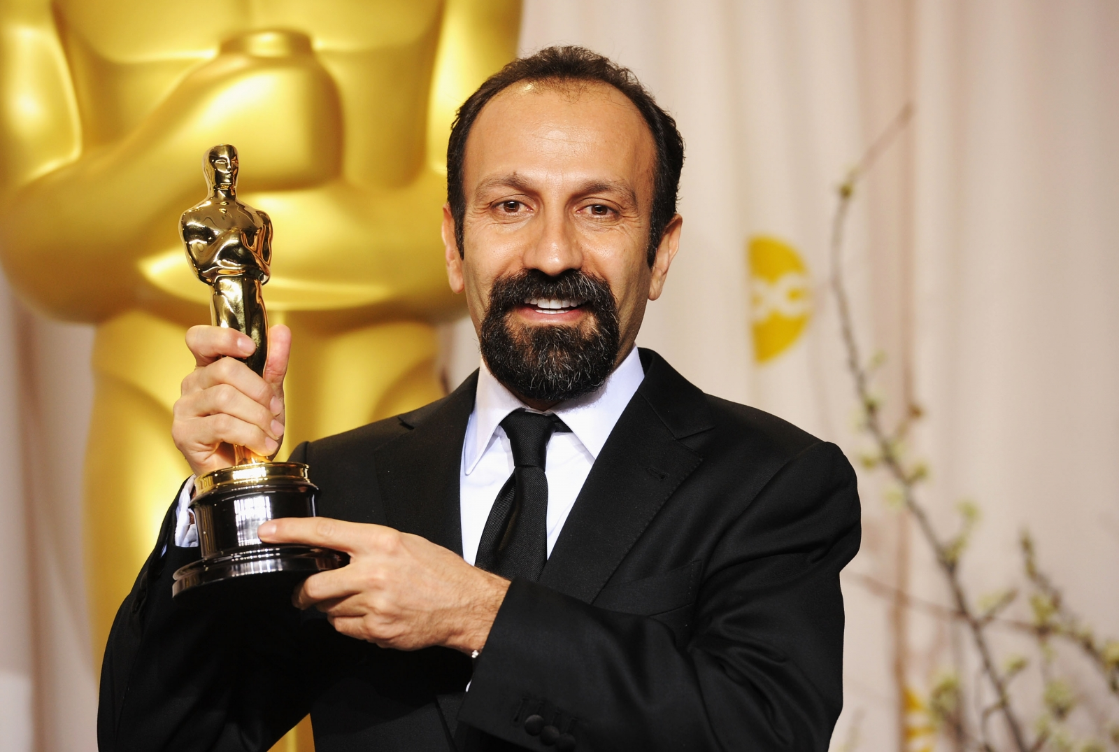 The Salesman director Asghar Farhadi boycotts the Oscars because of Trump's travel ban