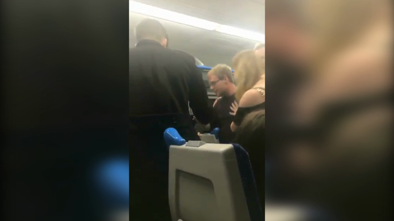 Crazy London train fight dubbed #BagelGate