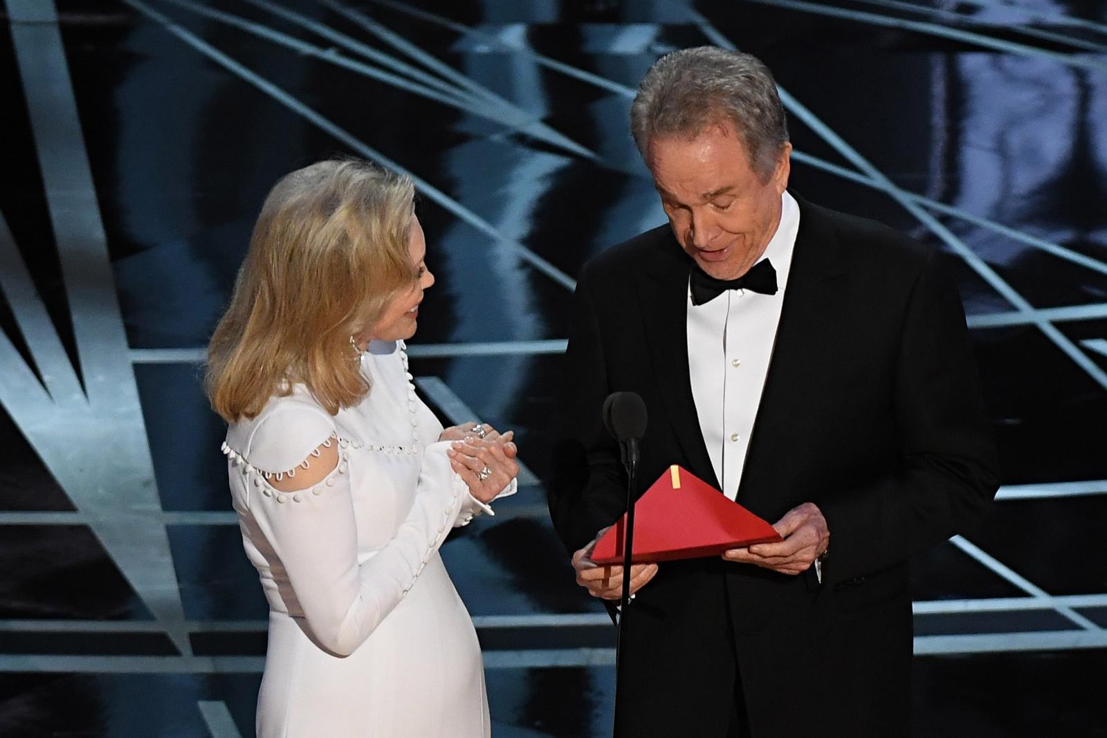Oscars 2017 Faye Dunaway and Warren Beatty