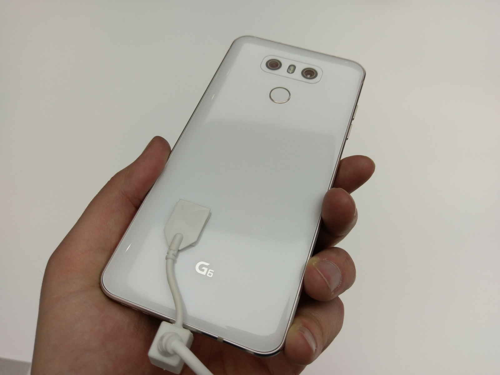LG G6 hands-on glass