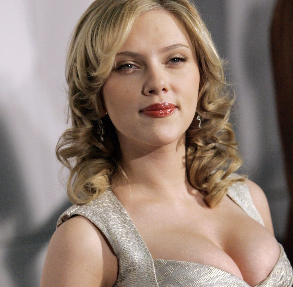 Hacked Scarlett Johansson nude (91 foto and video), Pussy, Cleavage, Feet, cameltoe 2006