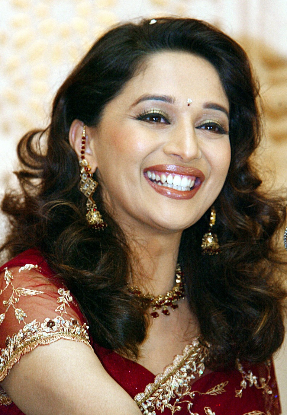 Madhuri Dixit To Launch Official Website-9322