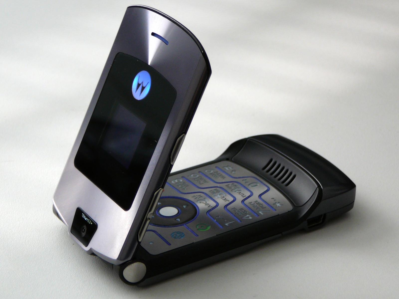 Motorola RAZR V3i mobile phone