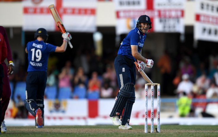 Joe Root and Chris Woakes