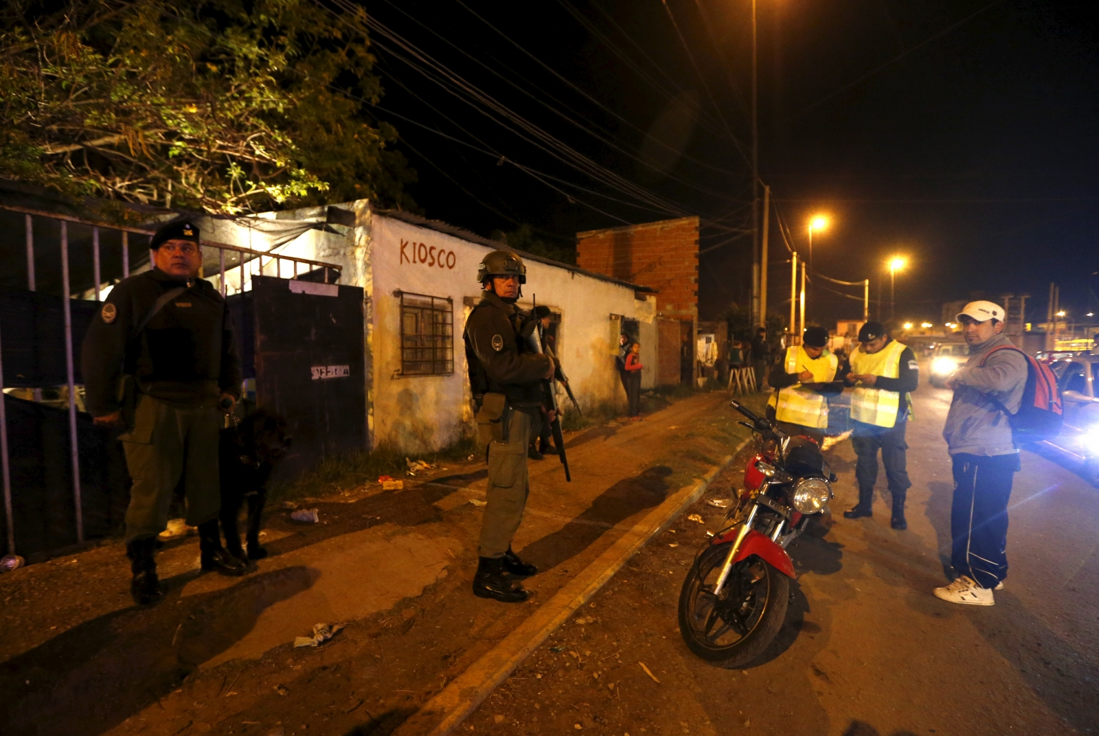Members of Argentina's Gendarmerie patrolling slum neighbourhoods