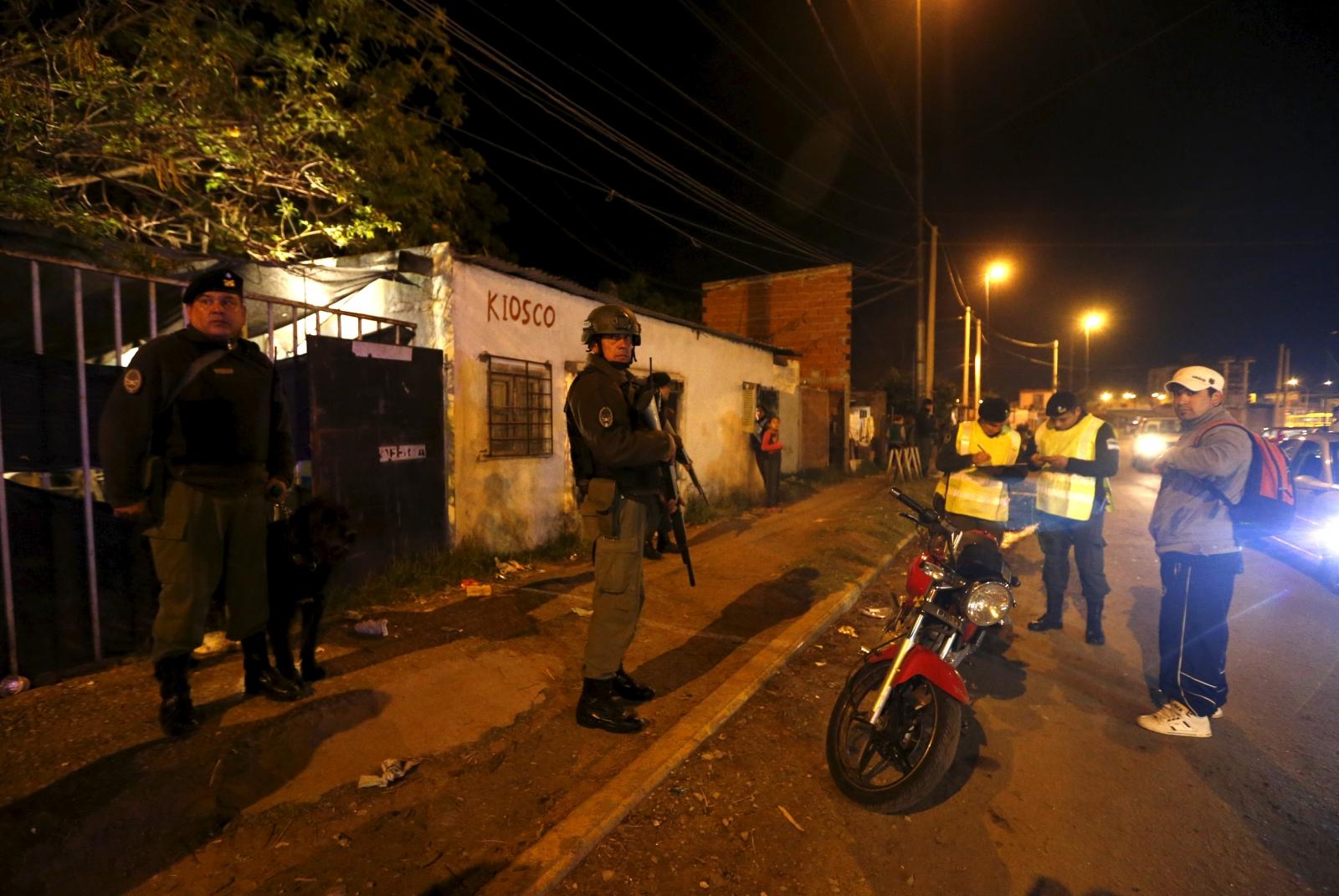 Members of Argentina's Gendarmerie patrolling slum neighbourhoods