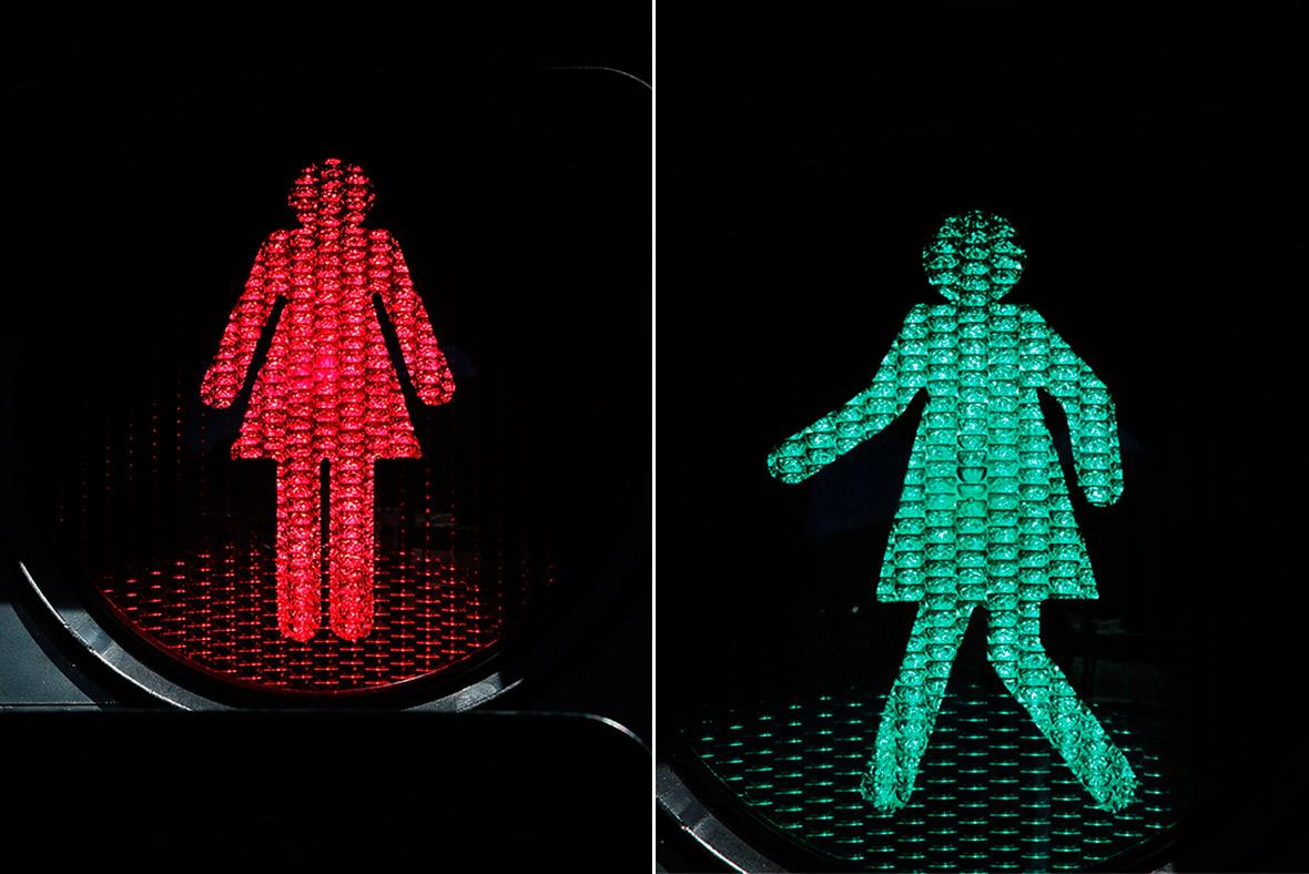 Female traffic light signals