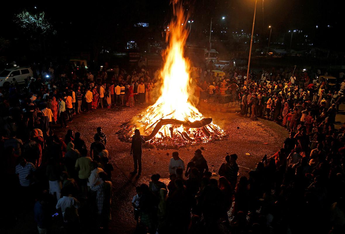 Holi 2017 Hindu festival colours