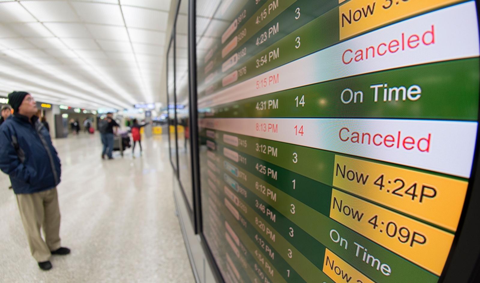 Resultado de imagen para snow cancellation flight US