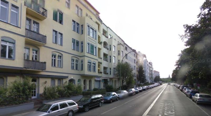Am Friedrichshain acid attack Berlin