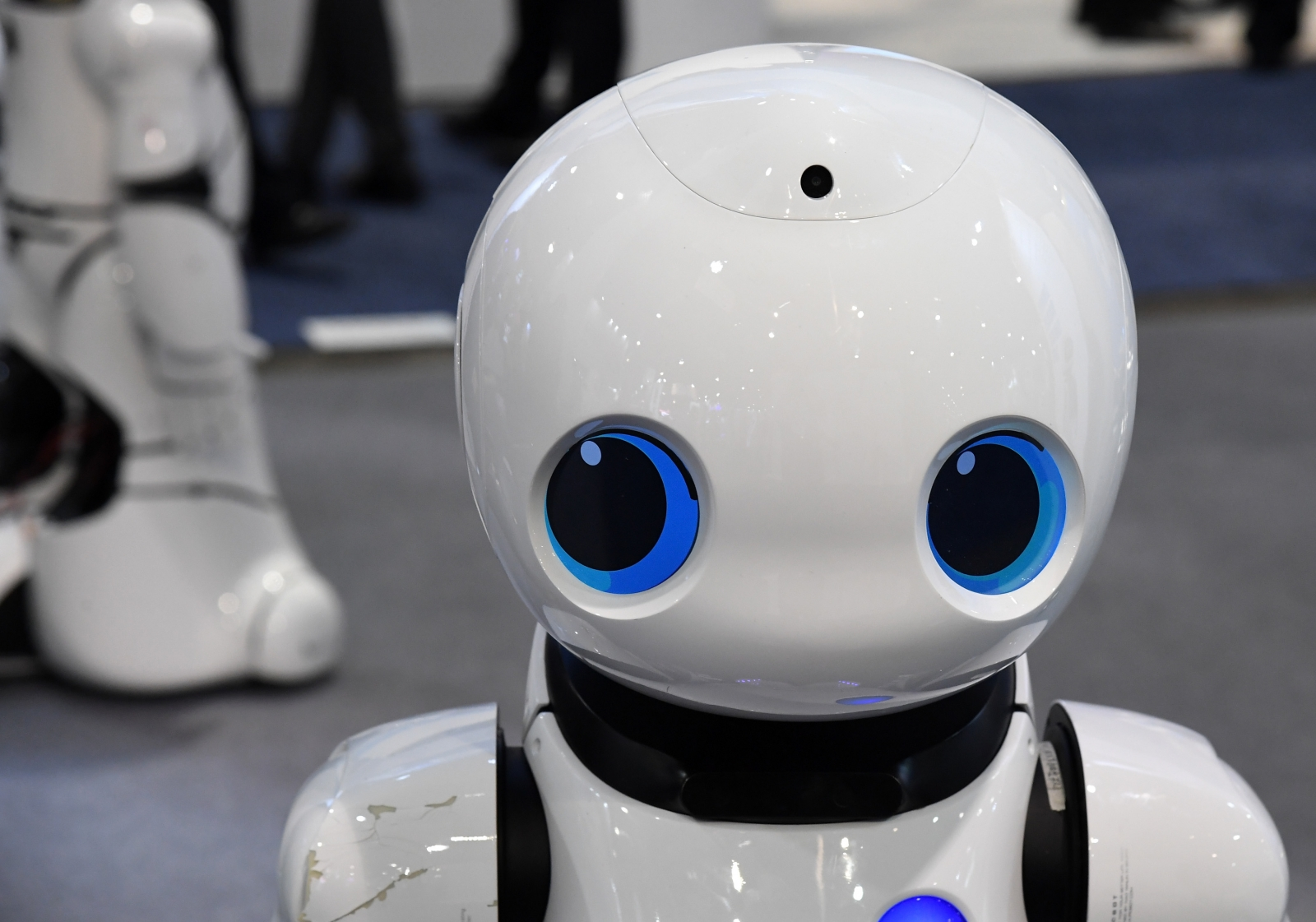 Robots to create jobs for creative people