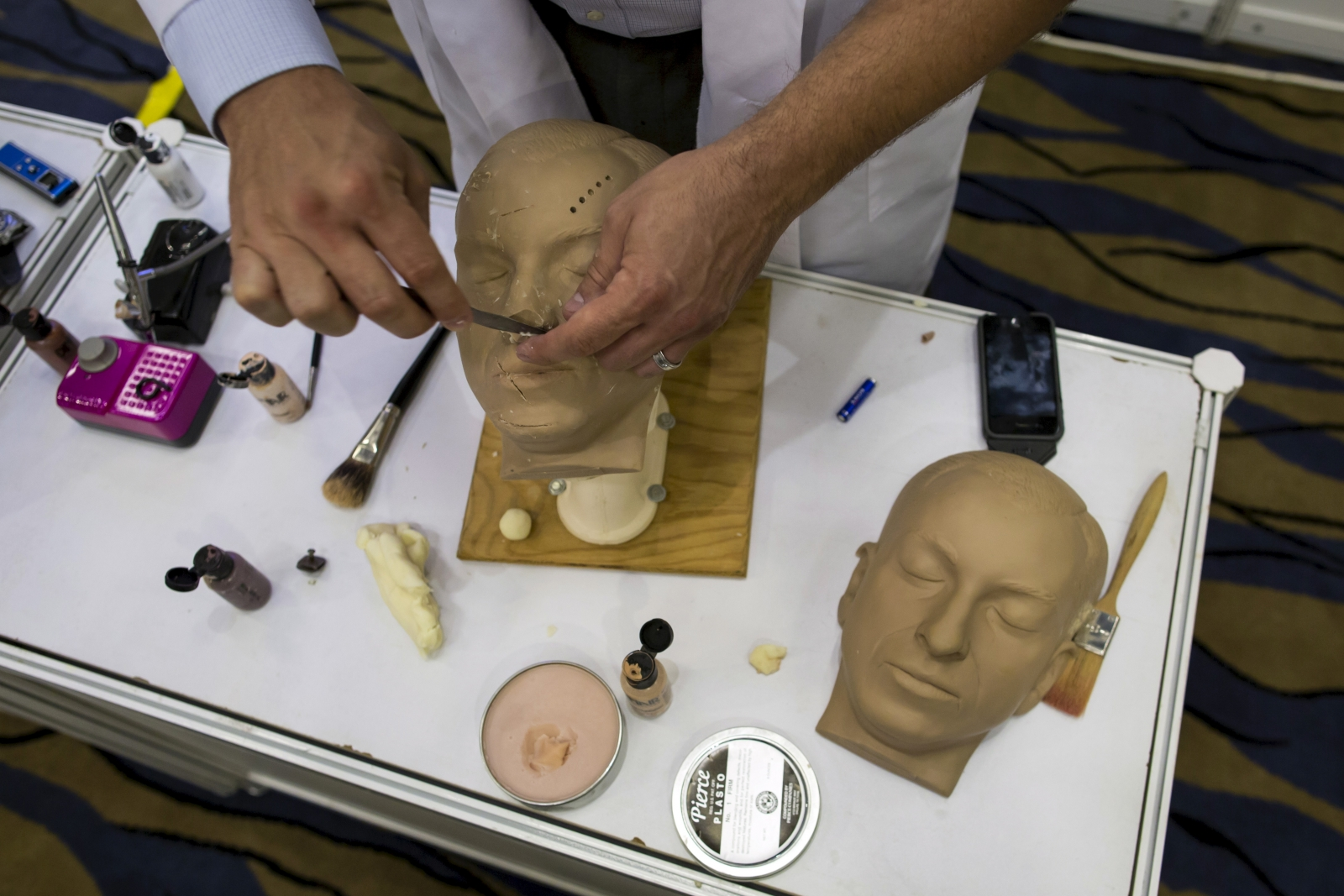 Corpse facial reconstruction