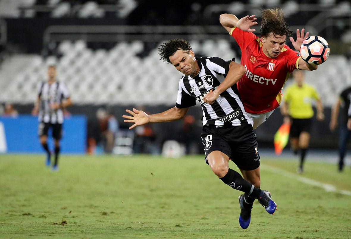 Botafogo v Estudiantes