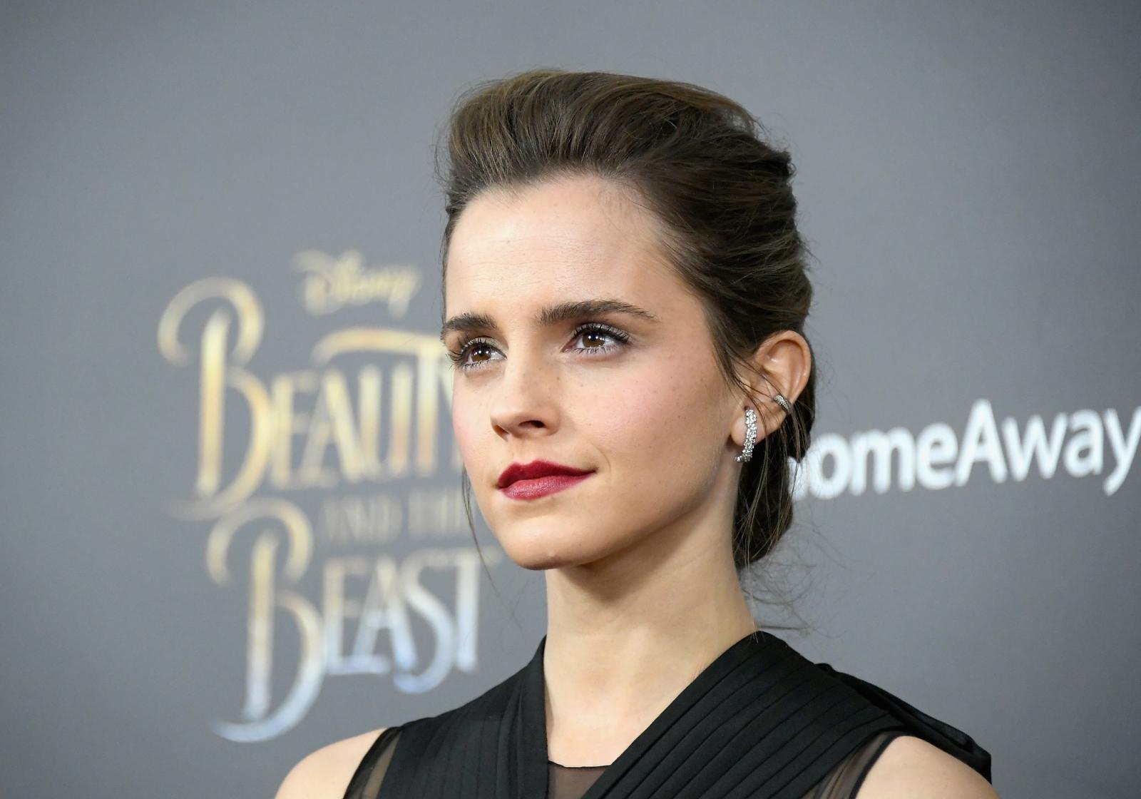 Emma Watson furious over leaked 'nude' photos and may seek ... Emma Watson