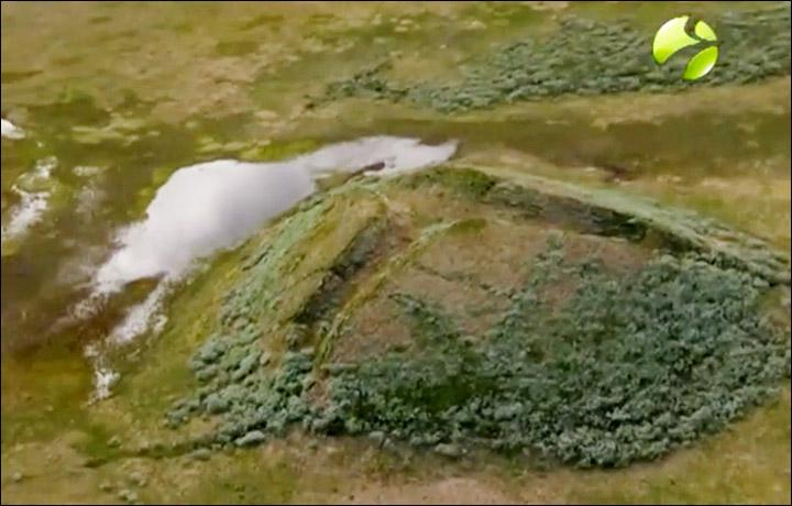 siberia methane crater