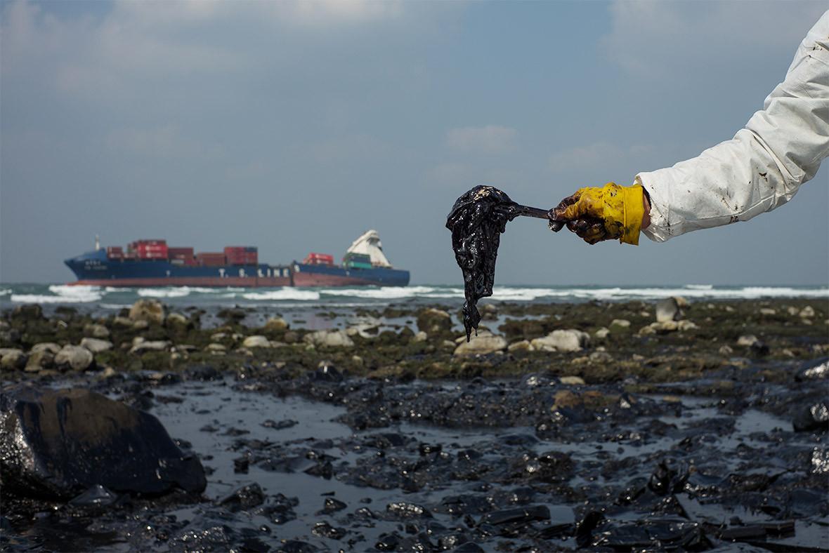 Разлив нефти в море картинки