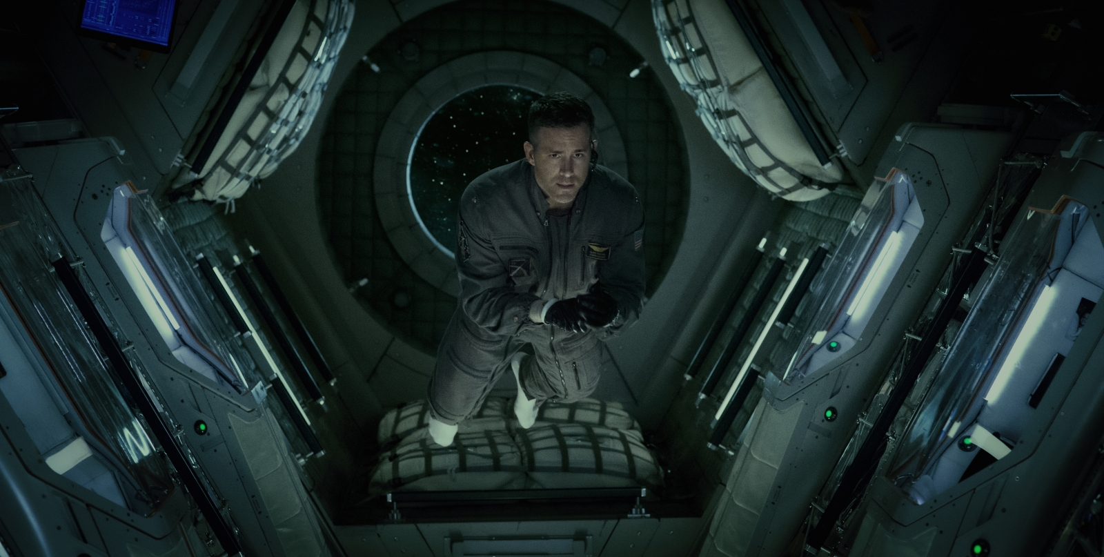 'Life' Review: This Space Horror Gives Generic Chills & Thrills
